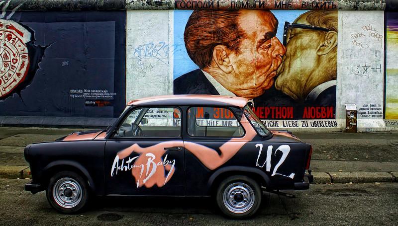 Trabant ved berlinmuren
